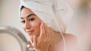 moisturizer on the face