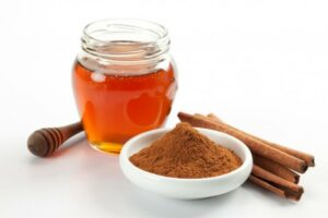 honey and Cinnamon Face Mask